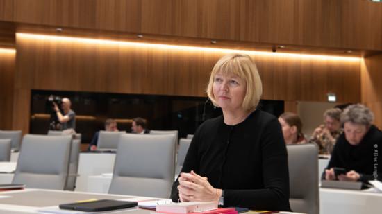 Landtagsabgeordnete im Plenarsaal in Hannover