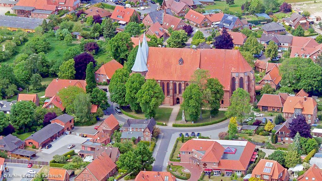 Luftbild vom Dom in Bardowick